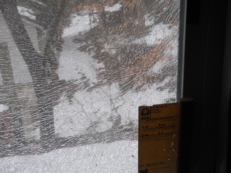 Ot insulated double pane glass in patio door cracked i will wait until warmer weather and ill probably get some help replacing it i installed the door myself about 10 years ago and my back is in worse solutioingenieria Choice Image